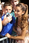 Ariana_Grande_-_Live_With_Kelly___Michael_HQ_281229.jpg